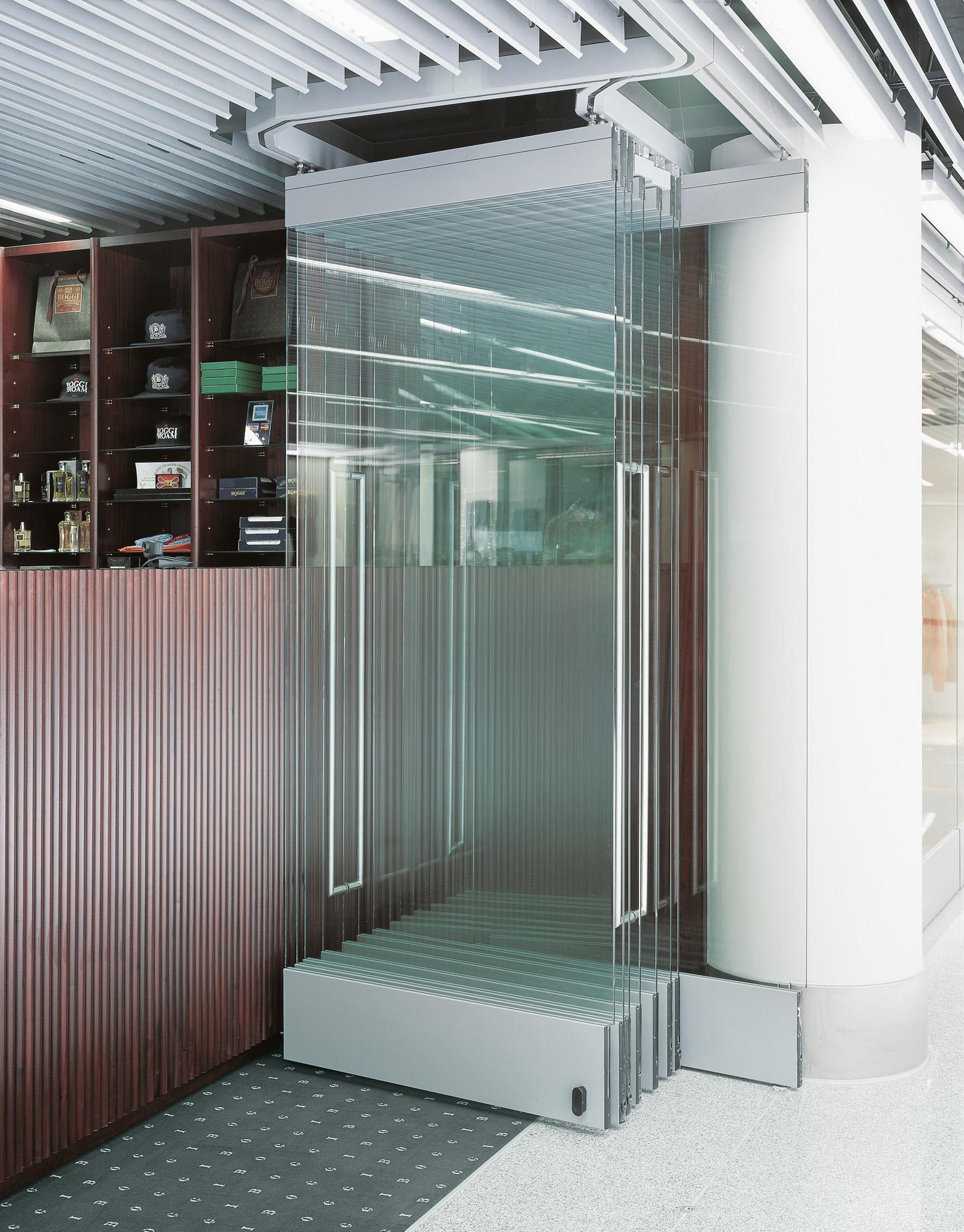 HUMA Metallbearbeitungs GmbH - Horizontale Schiebewände